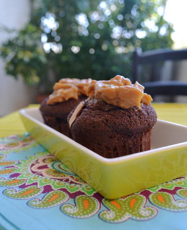 muffins sokolatas me karamela edited