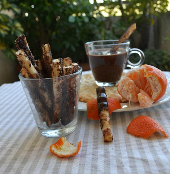 fondue sokolatas me pita gia souvlaki 2 edited